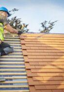 Układanie dachówek krok po kroku